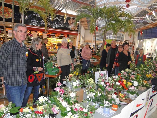Exposition art floral au Téléthon