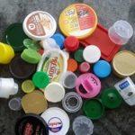 Exemple de plastiques collectés : des bouchons mais pas que.