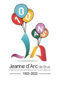 Les initiales de la JA décorées avec des ballons multicolores sur lesquels le nombre 100 est inscrit suivi du mot ans